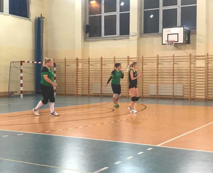 Siatkarki MOS Zachód 3D Sport wygrały kolejne spotkanie ligowe
